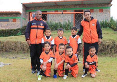 Chiquitines_Escuela_de_fútbol_Weymar_Olivares